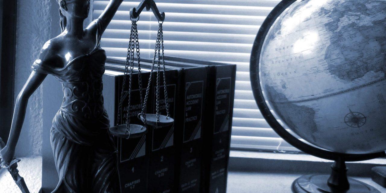 Kancelaria adwokacka on-line – jak skorzystać z usług prawnika przez internet?