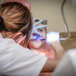 Dlaczego tak często wybieramy prywatne gabinety stomatologiczne?