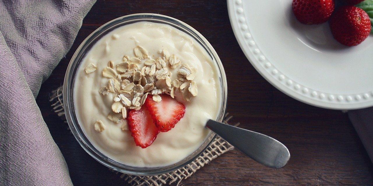 Właściwości zdrowotne jogurtów naturalnych