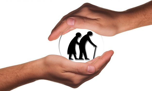 Opieka dla seniora – kobieta czy mężczyzna?
